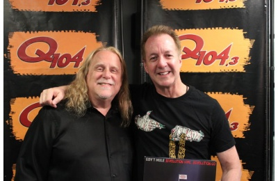 Warren Haynes Talks Riding the 'Fun Bus' with Gregg Allman; Performs