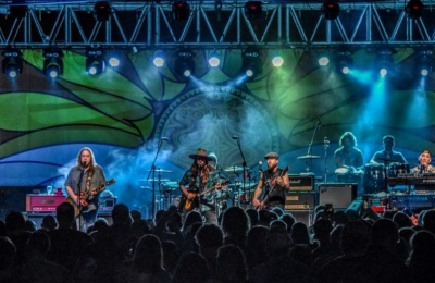 Gov't Mule Welcomes Lukas Nelson & Promise Of The Real And Ron Holloway At Island Exodus